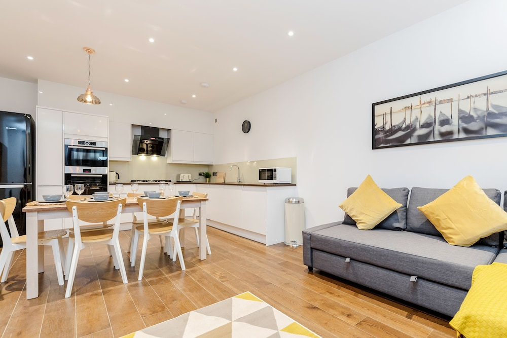 Donatello Apartment Hammersmith