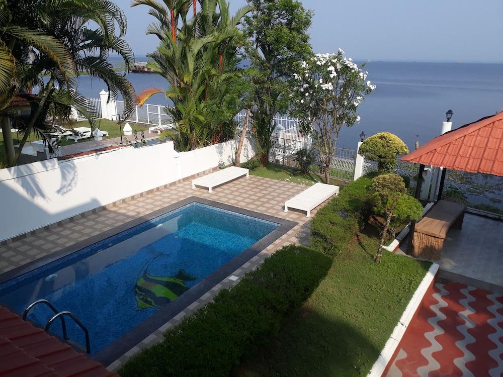 V Resorts The Backwater Rhapsody