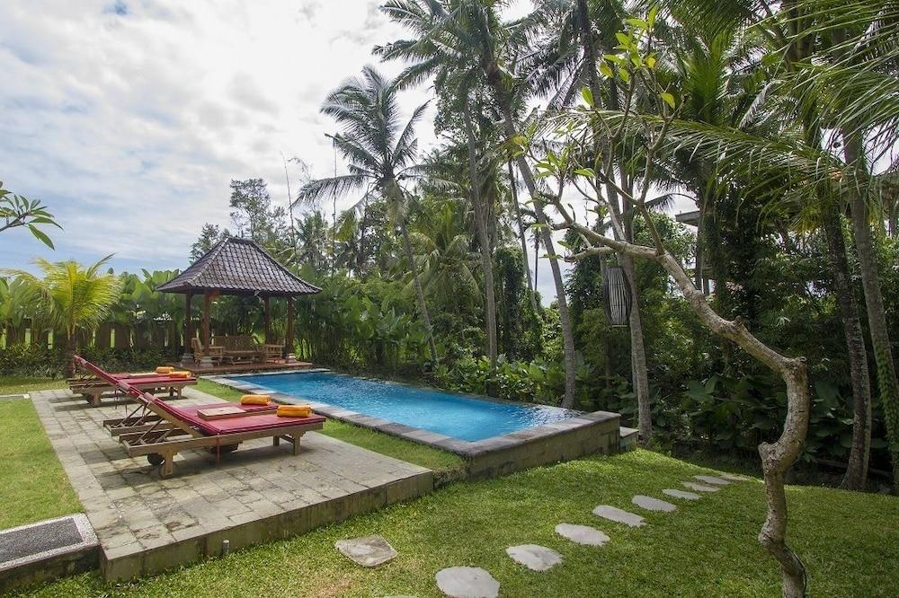 Buah Nagasari Cottage