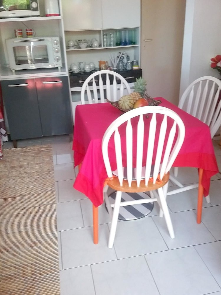 House With one Bedroom in Saint-françois, With Wonderful sea View, Fur