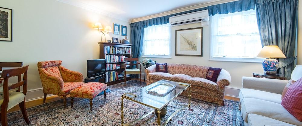 A Place Like Home - Elegant apartment near Green Park