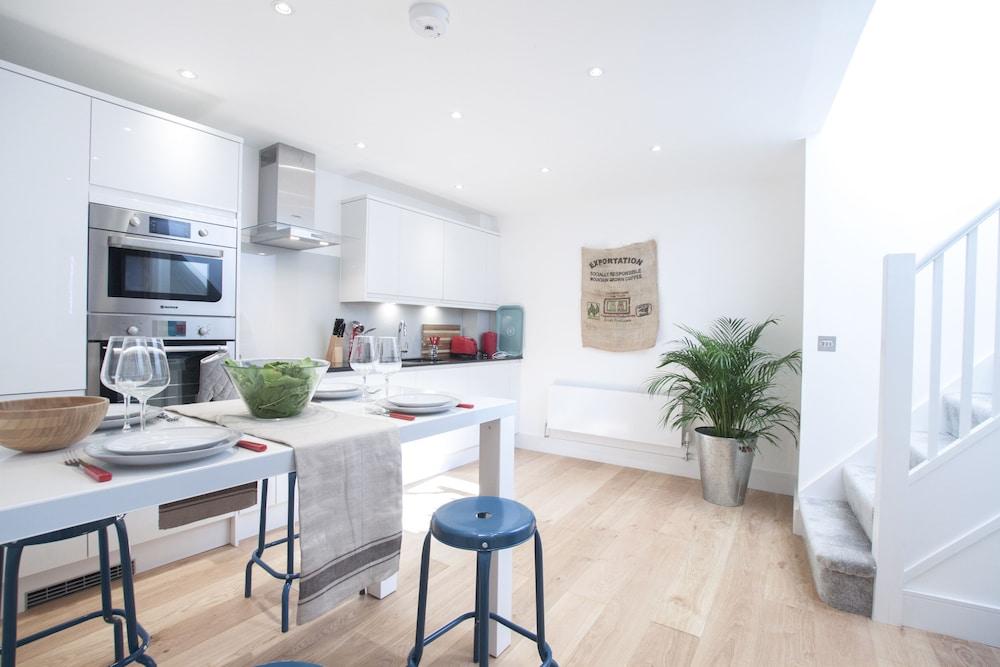 Greyhound Residences by Allô Housing