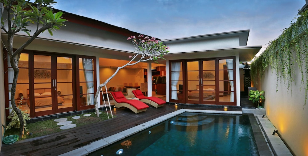 Photos Of - Holiday Benoa Villa