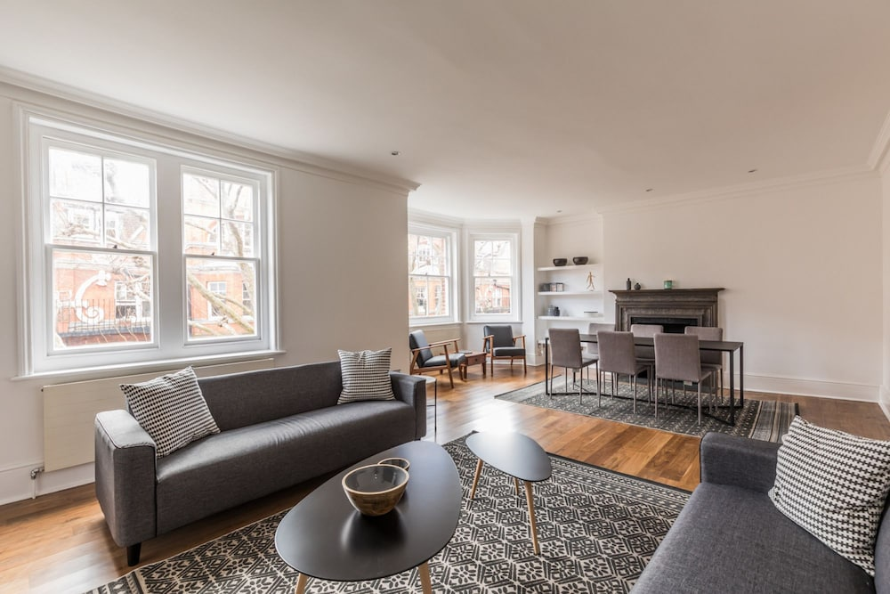Eson2 - Charming 3 Bedroom Flat in Chelsea