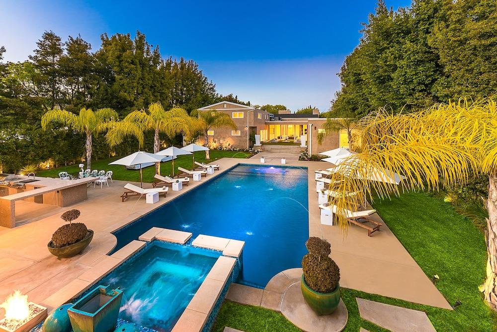Beverly Hills Luxury Modern Palace
