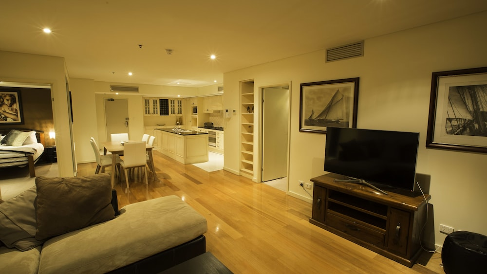 Adelaide North tce penthouse
