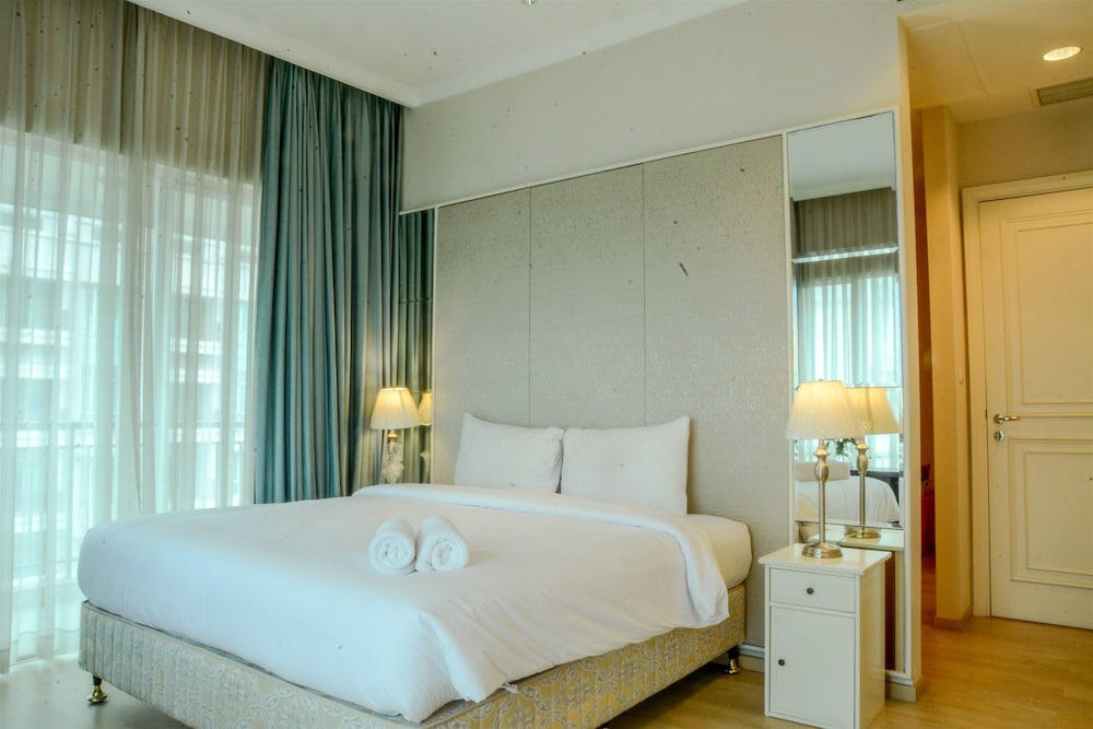 3 Bedroom Apartment at Senayan Residence by Travelio