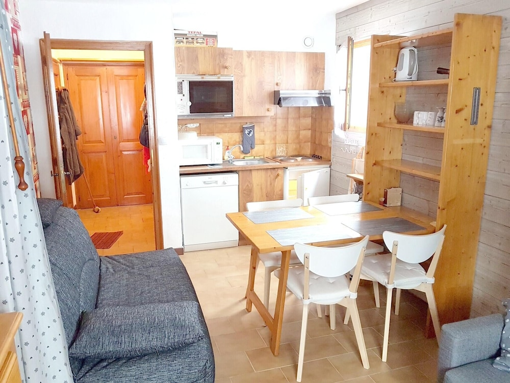 Studio in Demi-quartier, With Wonderful Mountain View - 600 m From the