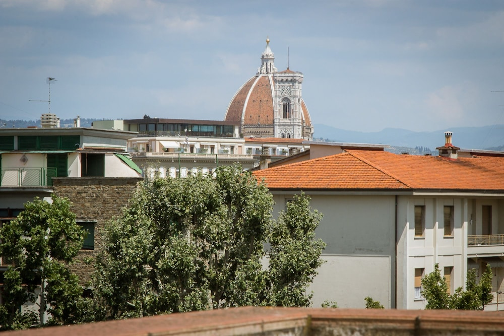 House in Florence Blue