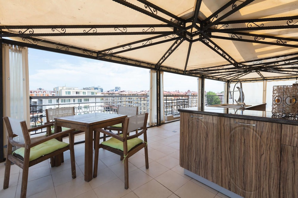 Two Bedroom Apartment with Large Balcony