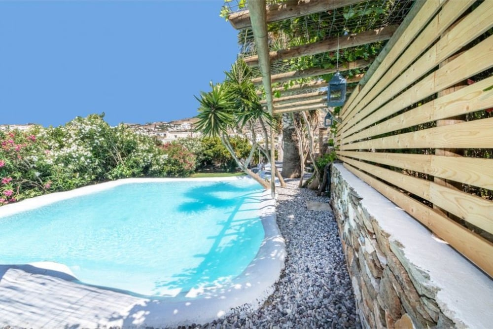 Lovely 3-Bedroom House in Tinos