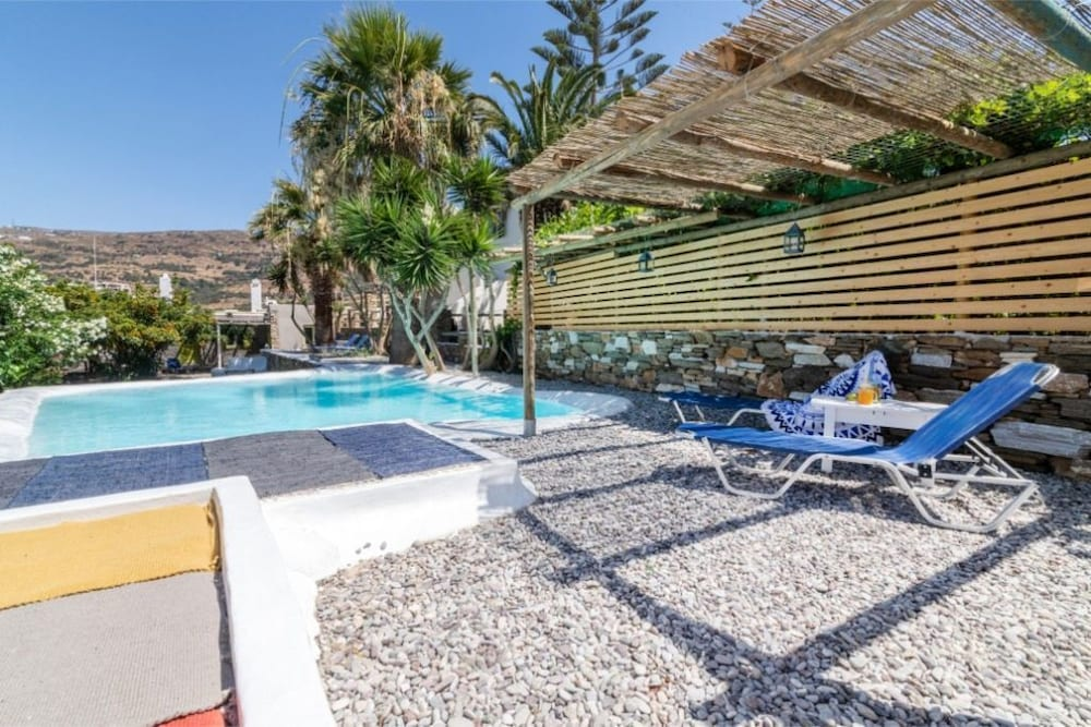 Charming 3-bedroom House in Tinos