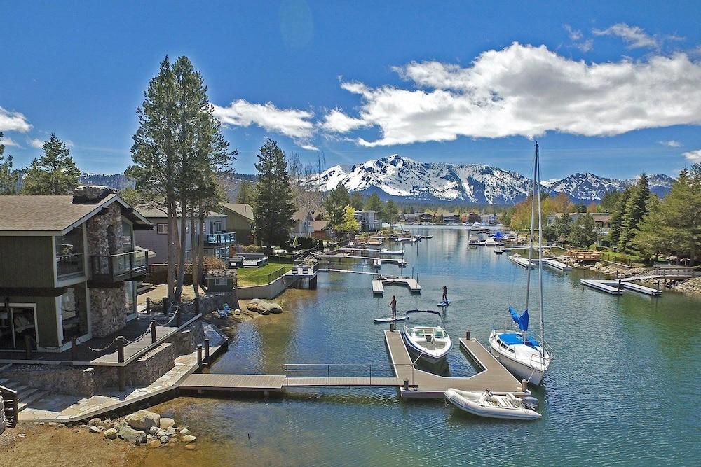 Tahoe Keys 5br W/ Hot Tub & Dock 5 Bedroom Home