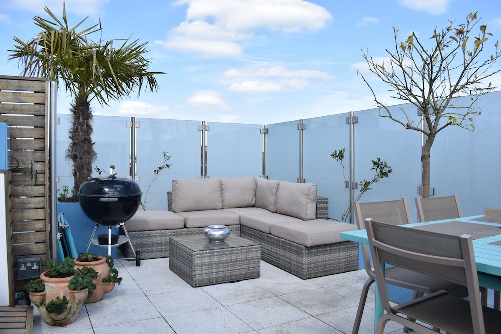 2 Bedroom Apartment In London With Roof Top