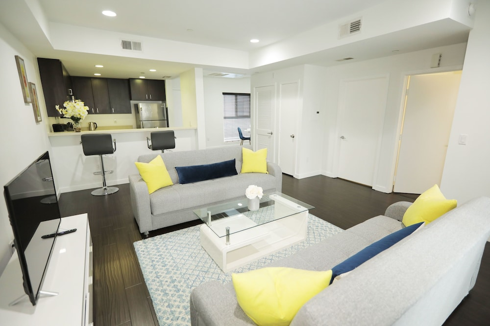 Hollywood Executive Suites