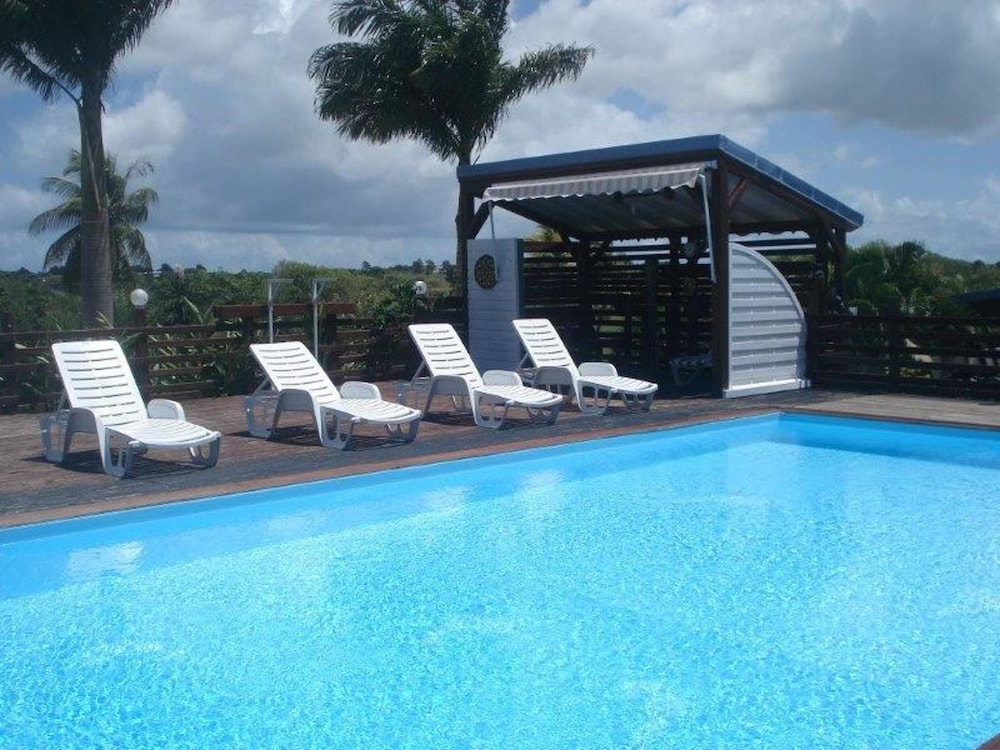 House With 3 Bedrooms in Sainte Anne, With Pool Access, Enclosed Garde