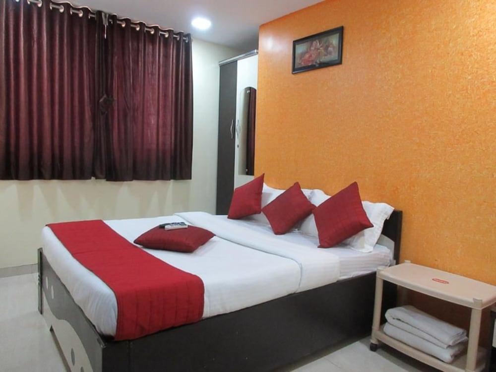 Hotel Nirsukh Palace