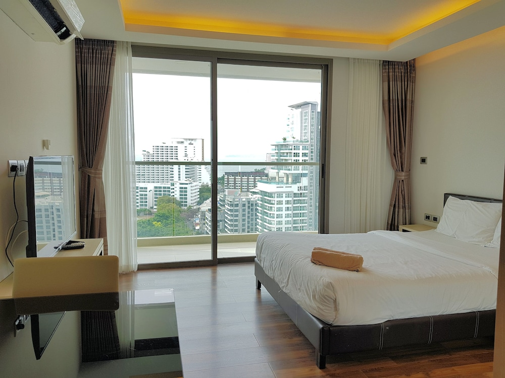 The Peak 1BR-1708 by Pattaya Holiday