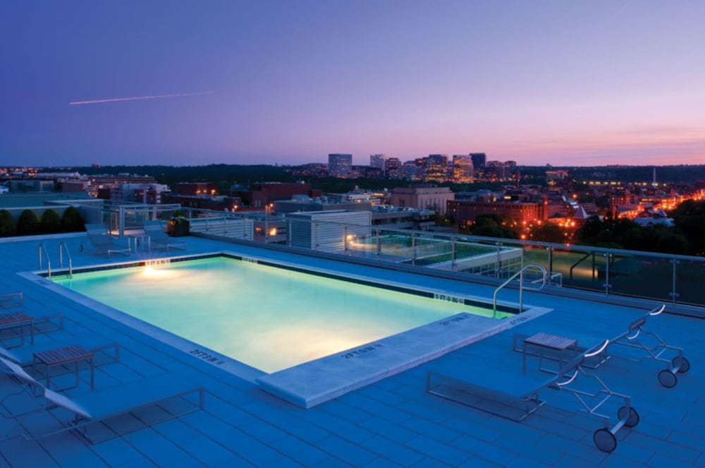 Bluebird Suites at Dupont Circle