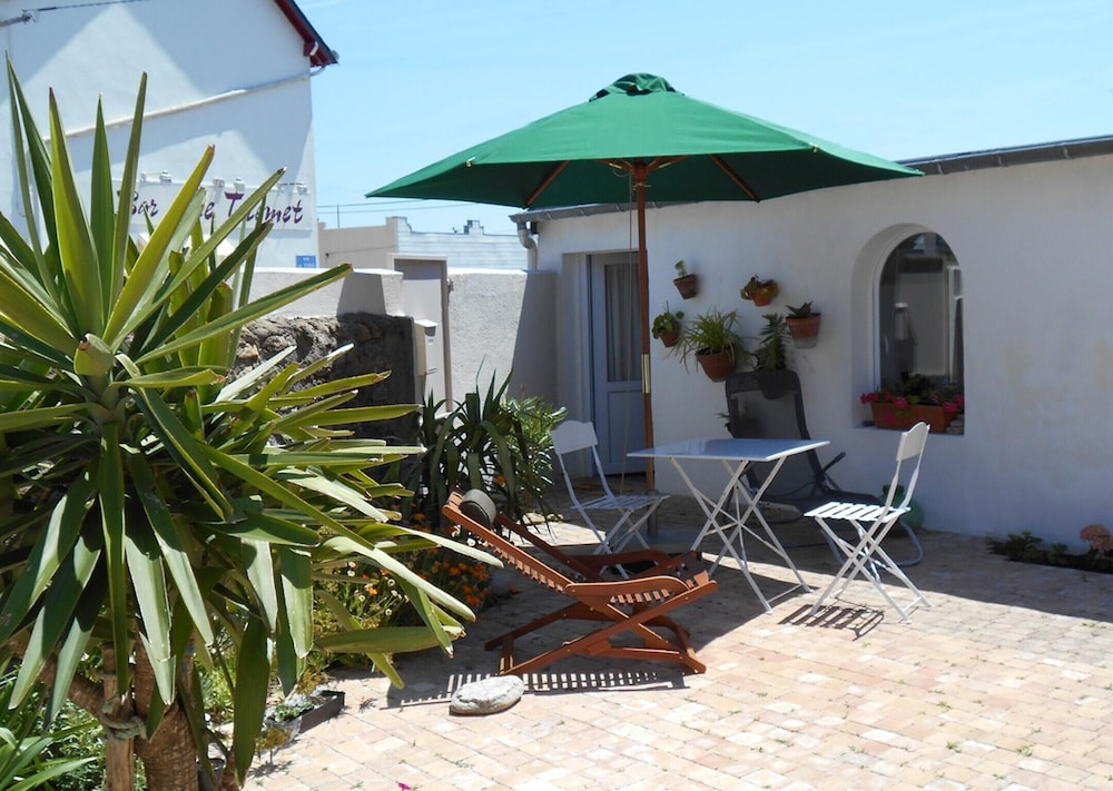 House With one Bedroom in Batz-sur-mer, With Furnished Terrace and Wif