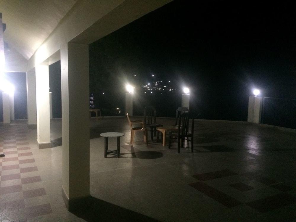 Hotel Garhwali Inn