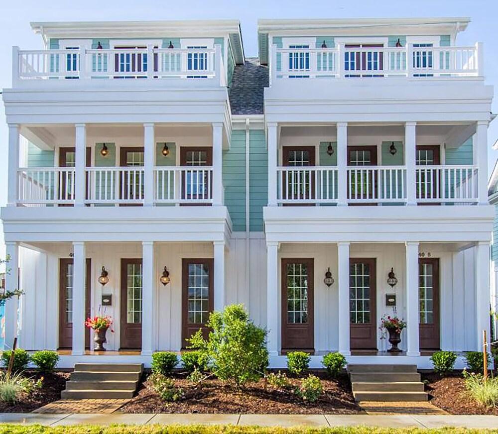 408 A The Boardwalk House