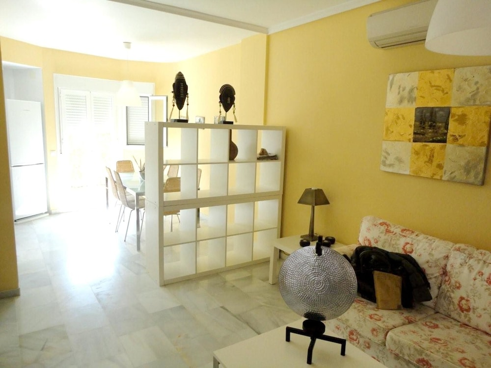 House With 2 Bedrooms in Rota, With Pool Access and Enclosed Garden -