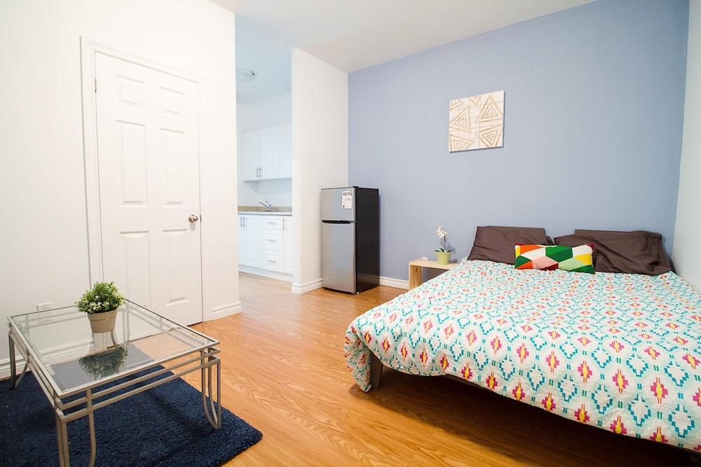 2 Bedrooms Apartment near Kensington Market – Unit 9