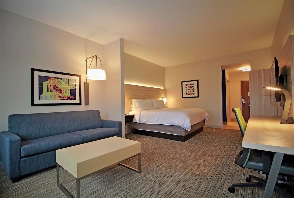 Holiday Inn Express & Suites Ocala