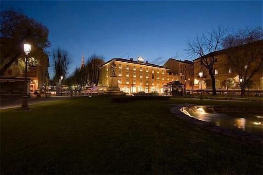 Hotel Cavour Novara