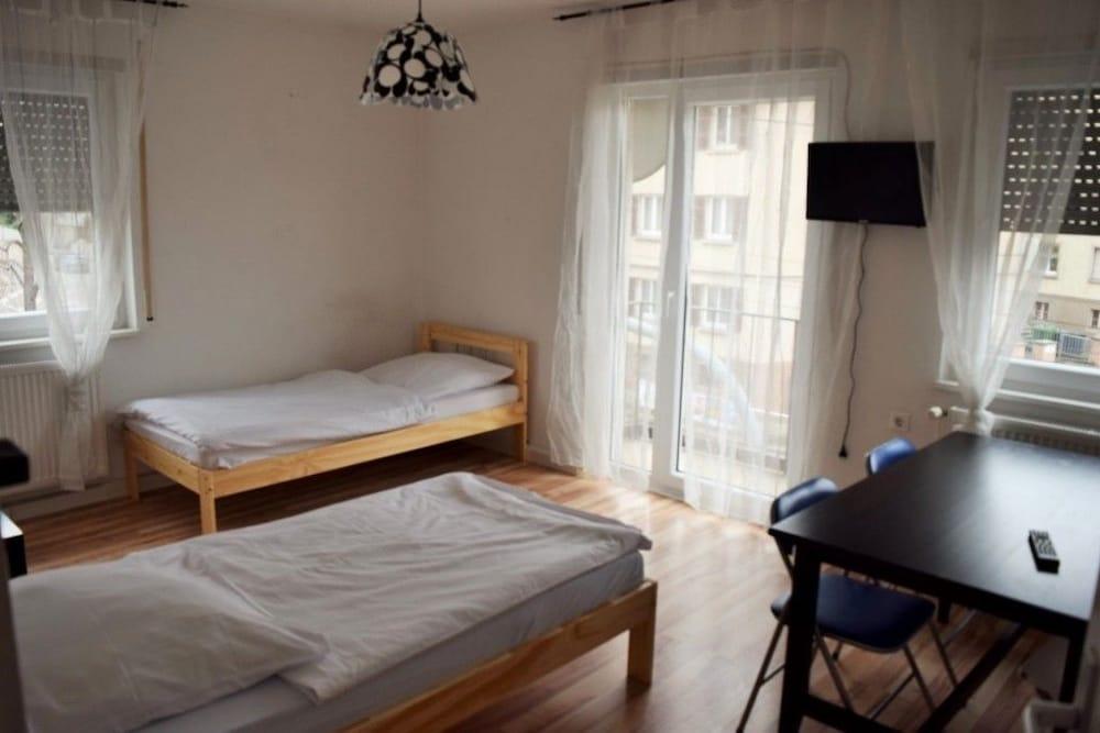 AB Apartment 13