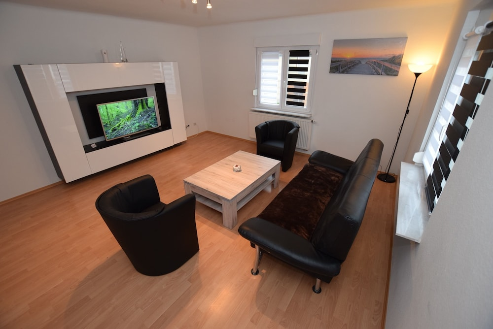 AB Apartment 25