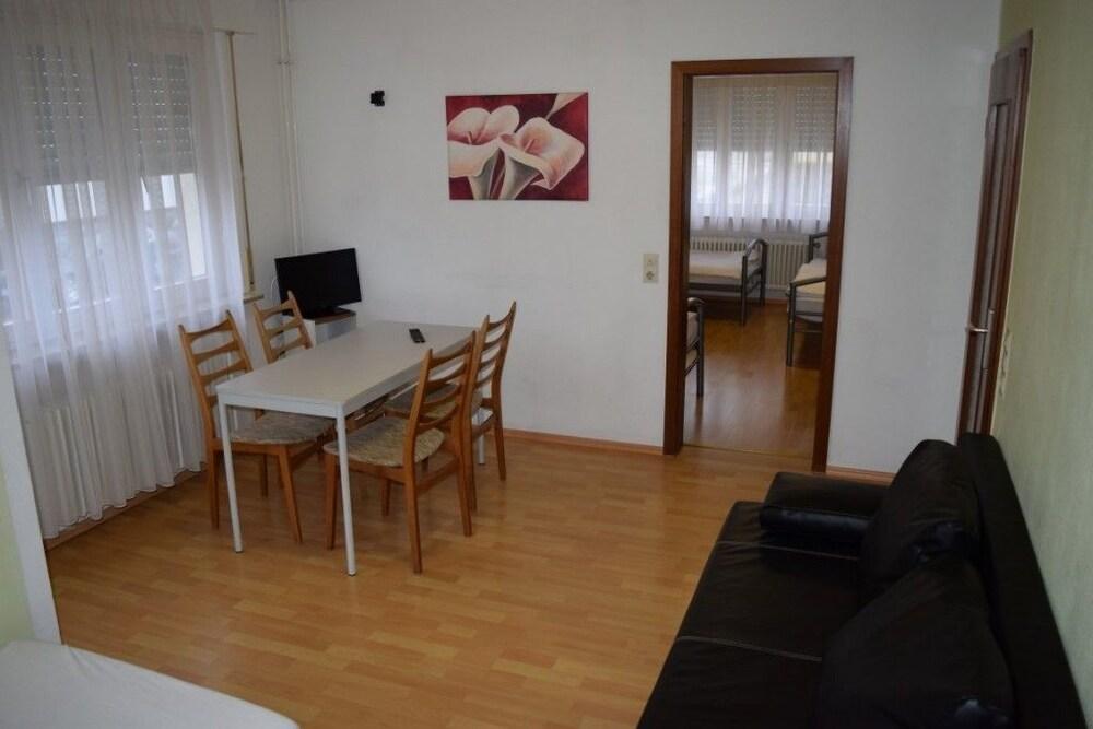 AB Apartment 08