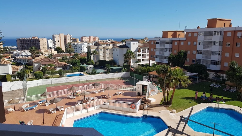 Studio in Torremolinos, With Wonderful sea View, Pool Access and Furni