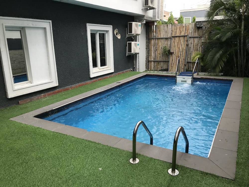 H3 Luxury Cottage
