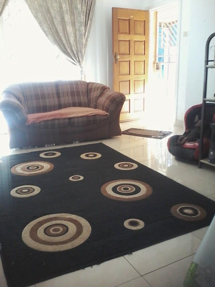 JimmyLuh Guesthouse