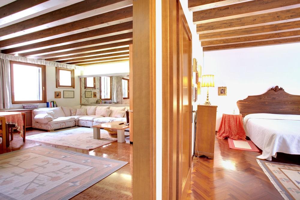 Marzo 22 - WR Apartments