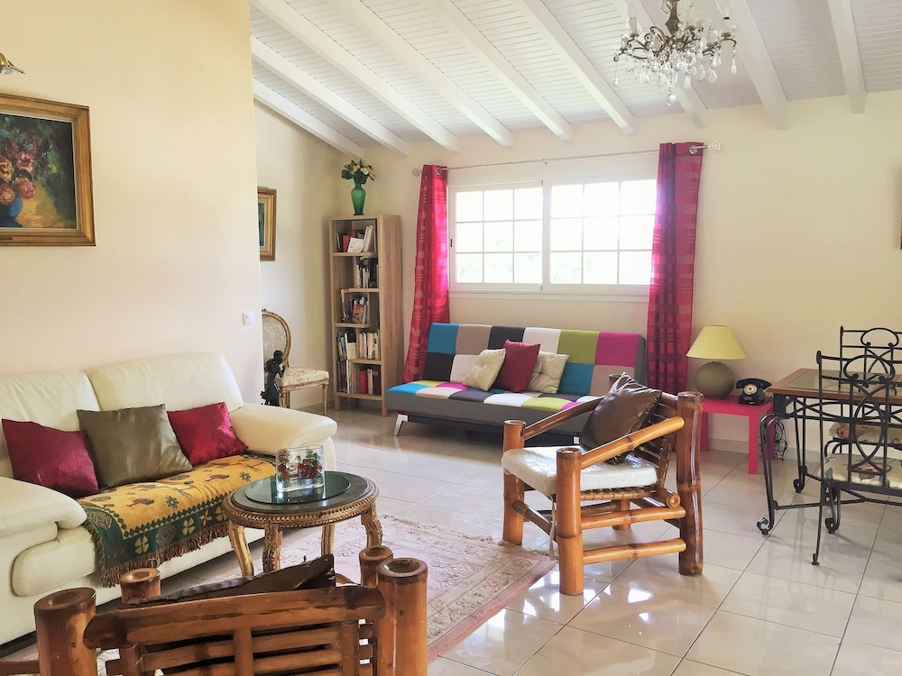 House With 2 Bedrooms in Saint François, With Enclosed Garden and Wifi