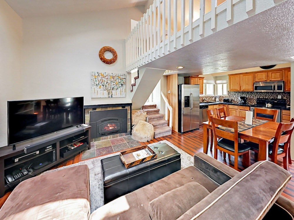 1920 W Canyons Resort Dr Townhouse Unit 27C 3 Bedrooms 2.5 Bathrooms T