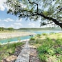 Luxe Lakefront 5br W/ Guest House 5 Bedroom Home photo 30/39