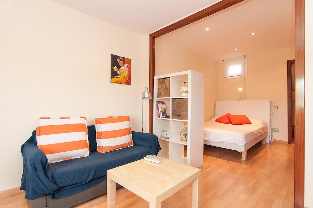 Montaber Apartments - Plaza España