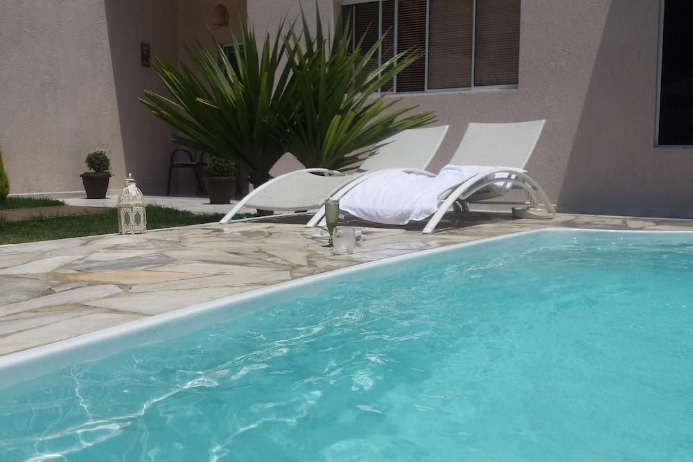 Casa com piscina em Caraguatatuba