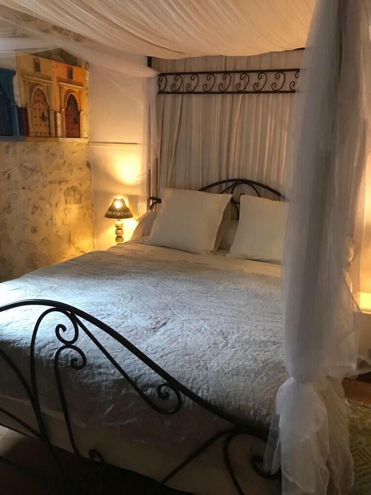 Maison d'Hôtes - L'Echoppe & Les Toiles