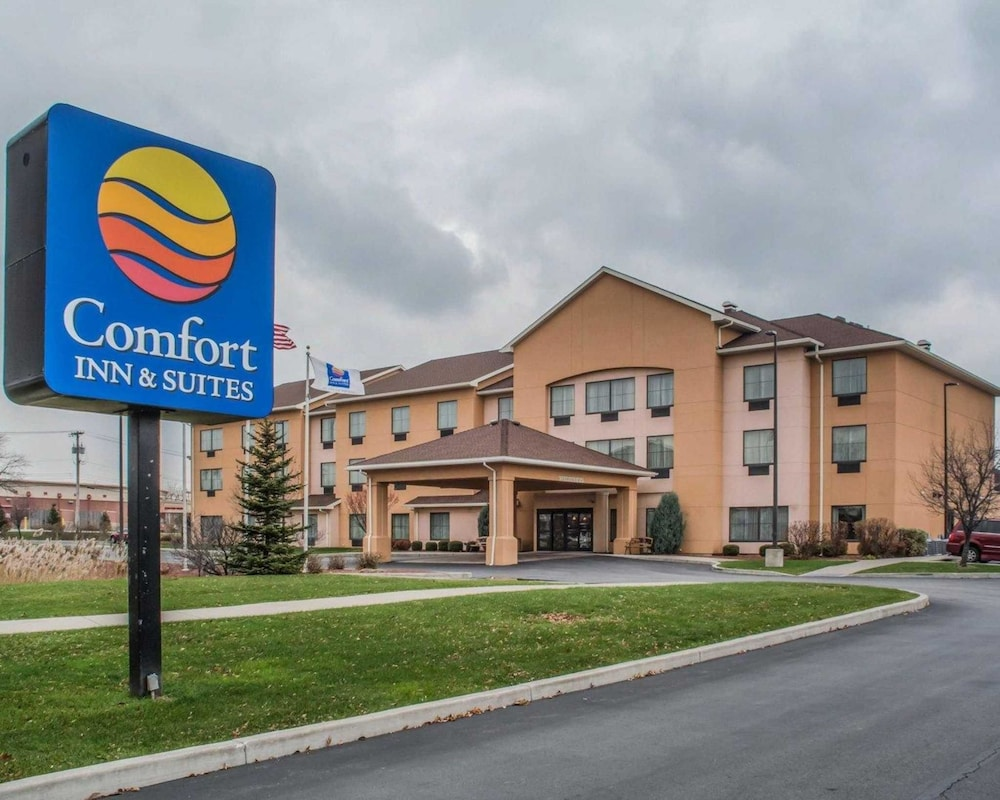 Comfort Inn & Suites Farmington - Victor