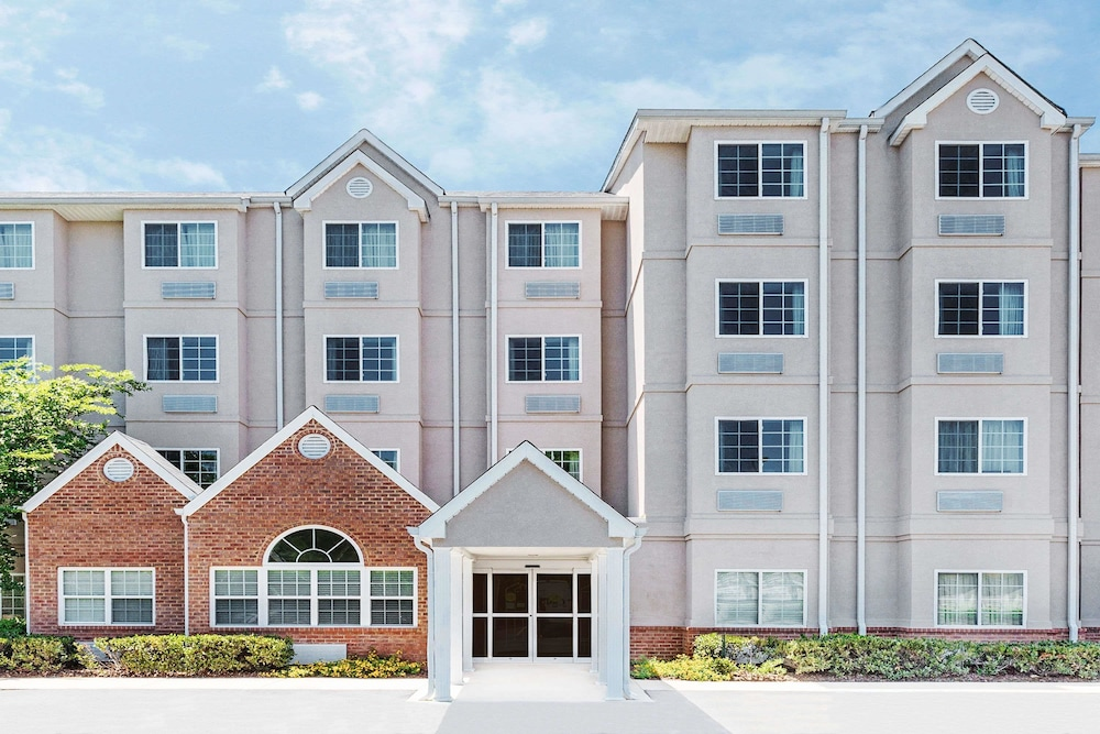 Microtel Inn & Suites by Wyndham Tuscaloosa/Near University