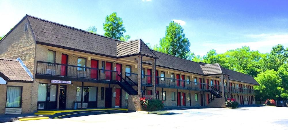 Travelers Inn