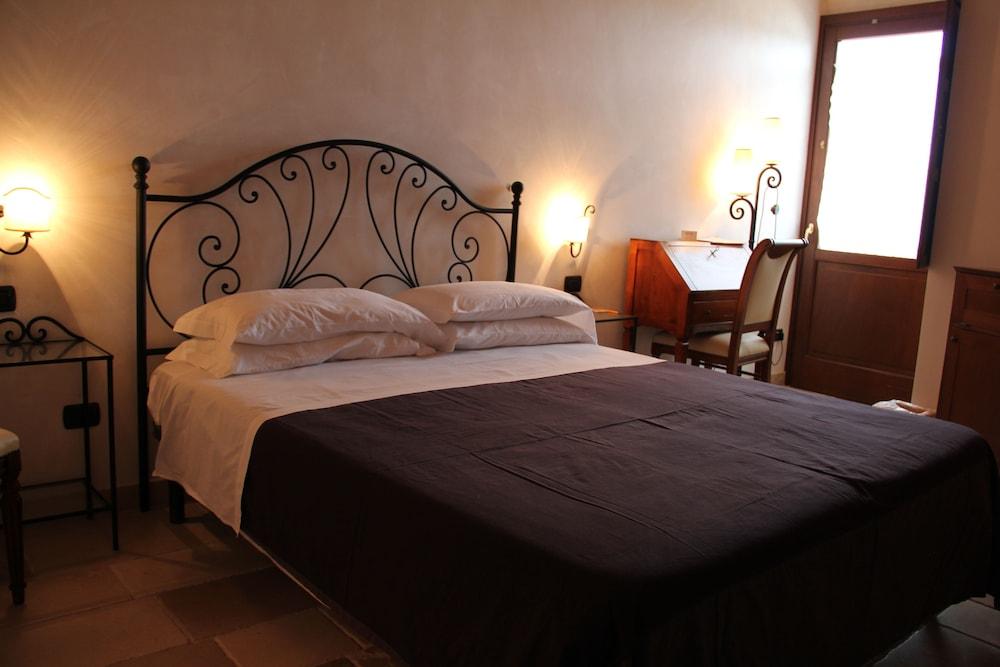 Masseria Fortificata Donnaloia