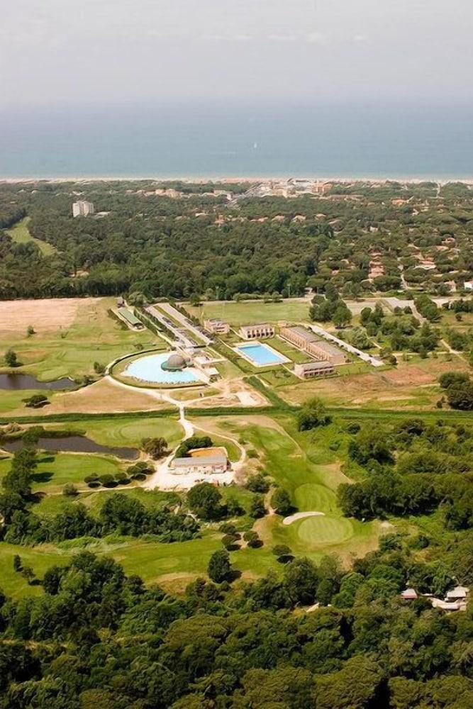 Residence Cosmopolitan Golf