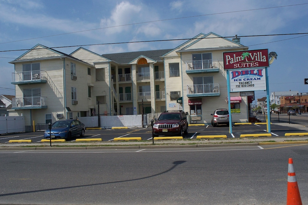 Hotel Charlee Villas by the Beach