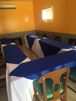 Microtel Inn & Suites by Wyndham Cabanatuan Meeting Facility